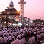 Ribuan Santri Padati Masjid Agung Istighosah Sambut Tahun Baru