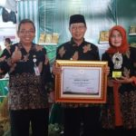 Bupati Terima Penghargaan Ketahanan Pangan Jawa Timur