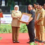 Bupati Tuban Terima Penghargaan Pembina K3 Tahun 2020