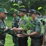 Komitmen Jaga Kelestarian Hutan TNI dan Polri Tanam Pohon di Hutan Perhutani
