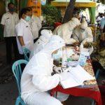 Gugus Tugas Tuban Lakukan Rapid Test Pedagang Pasar Besar