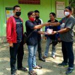 PWI Tuban Bantu Masker Untuk Petugas Wana Wisata Air Nganget.